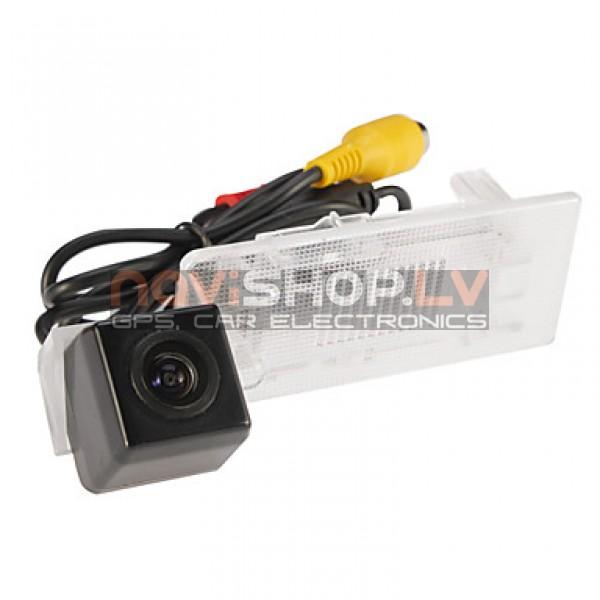 Atpakaļskata kamera special (PC7070/PAL/-11/13 Passat/12 Sagitar/13 Lavida/11 Touareg )